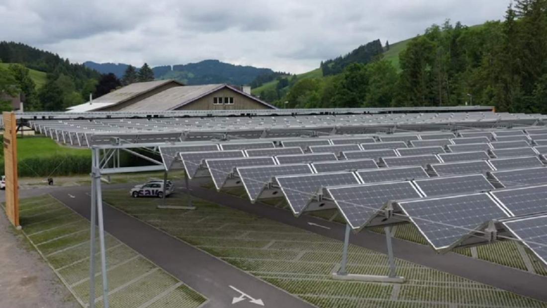 Солнечная крыша KRONBERG над автопарковкой